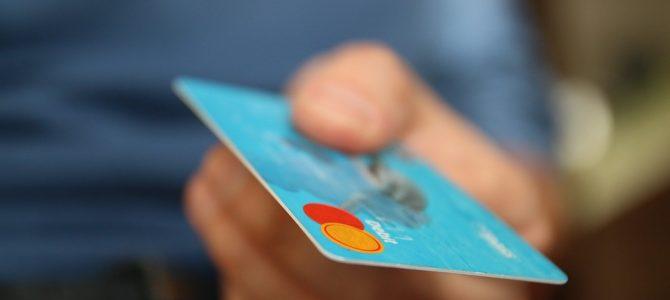 Darmowe konto dla każdego. Czy warto założyć rachunek podstawowy?