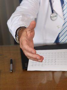 Spersonalizowane podejście do pacjenta przyszłością medycyny. Jest bardziej kosztowne, ale daje znacznie lepsze efekty terapeutyczne