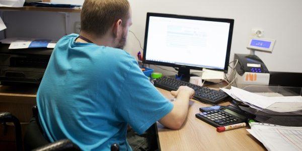 Aby niepełnosprawny absolwent dobrą pracę dostał…