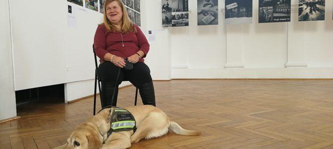 Urodzona optymistka! Teresa i jej asystentka pies Nefi