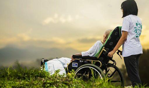 Na chorobę Parkinsona cierpi w Polsce ok. 100 tys. osób. Dotyka ona całe rodziny